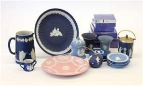 280: Wedgwood porcelain
