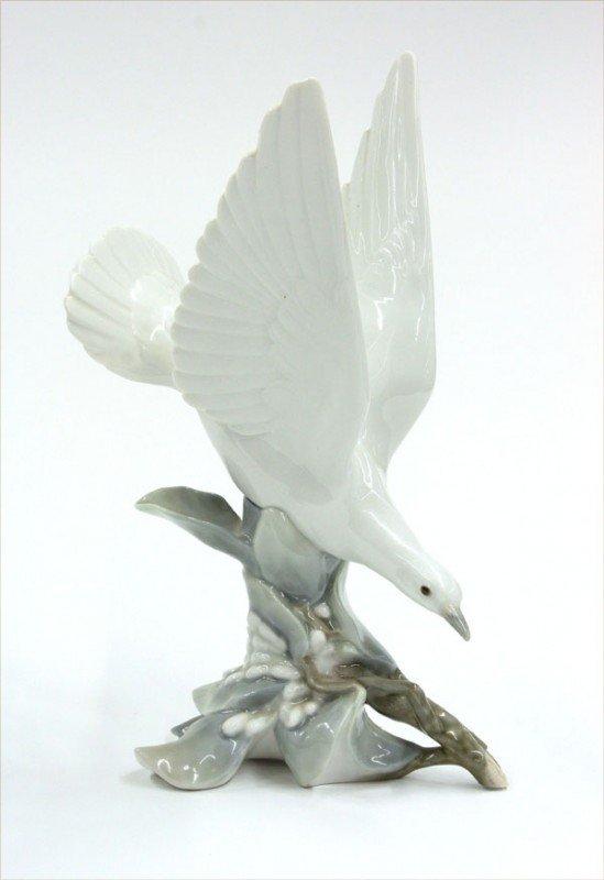 2006: Lladro porcelain song bird