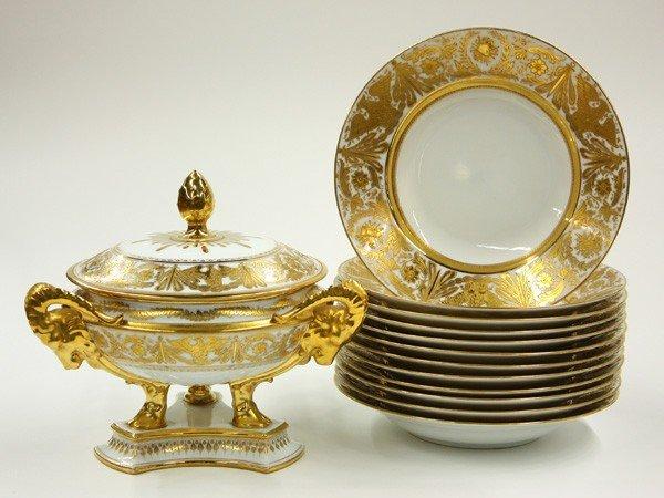 2013: Dresden porcelain table service