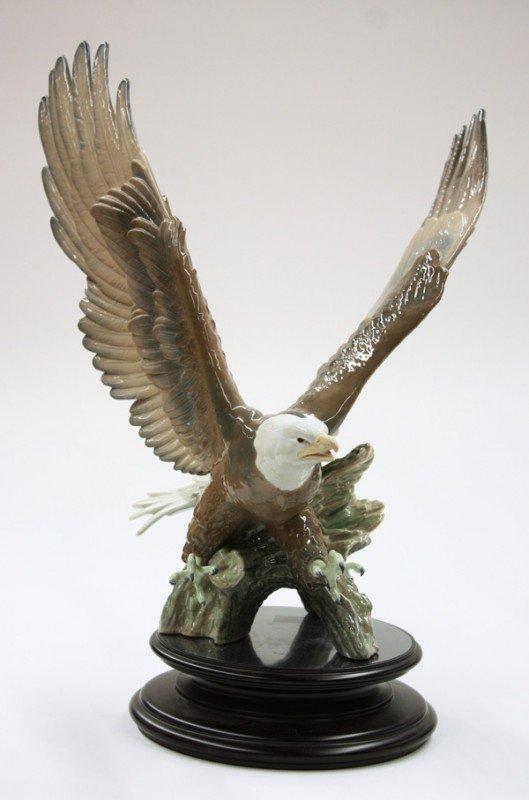 2022: Lladro ''Justice'' eagle