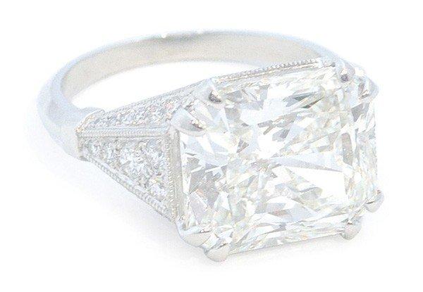 2360: Diamond and platinum ring