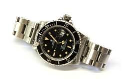 2413: Rolex Submariner stainless steel wristwatch