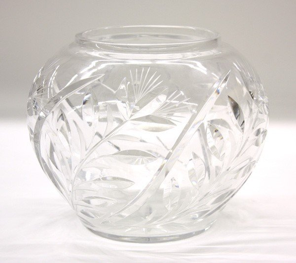6008: Crystal vase