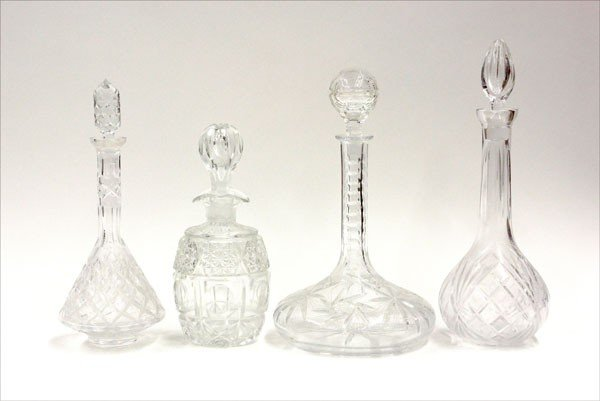 6014: Glass decanters