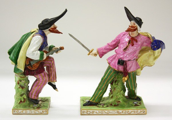 6025: Capodimonte commedia dell arte porcelain figures - 6