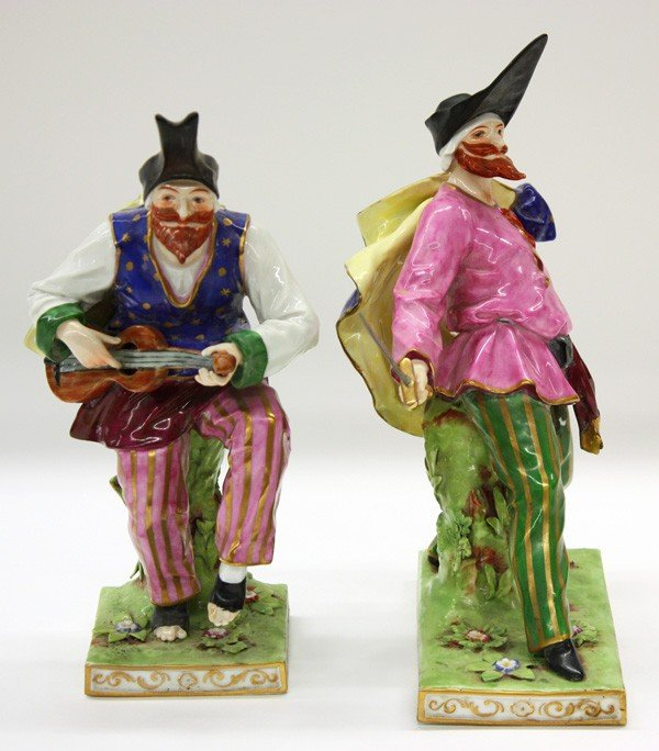6025: Capodimonte commedia dell arte porcelain figures - 7
