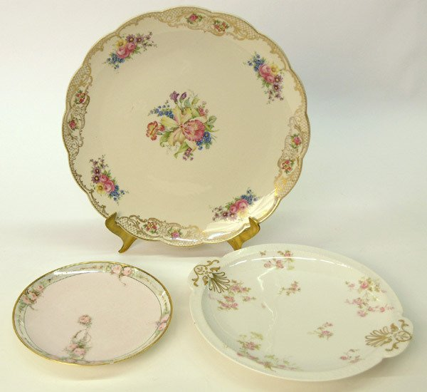 24: Royal Bayreuth charger/Haviland plates