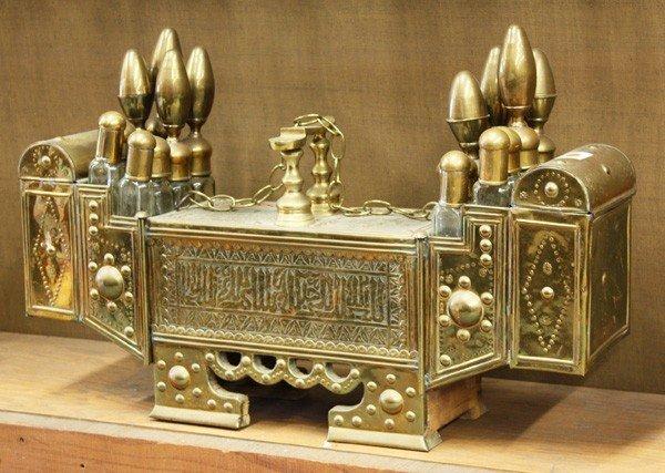 6009: Turkish brass and wood shoe shine kit