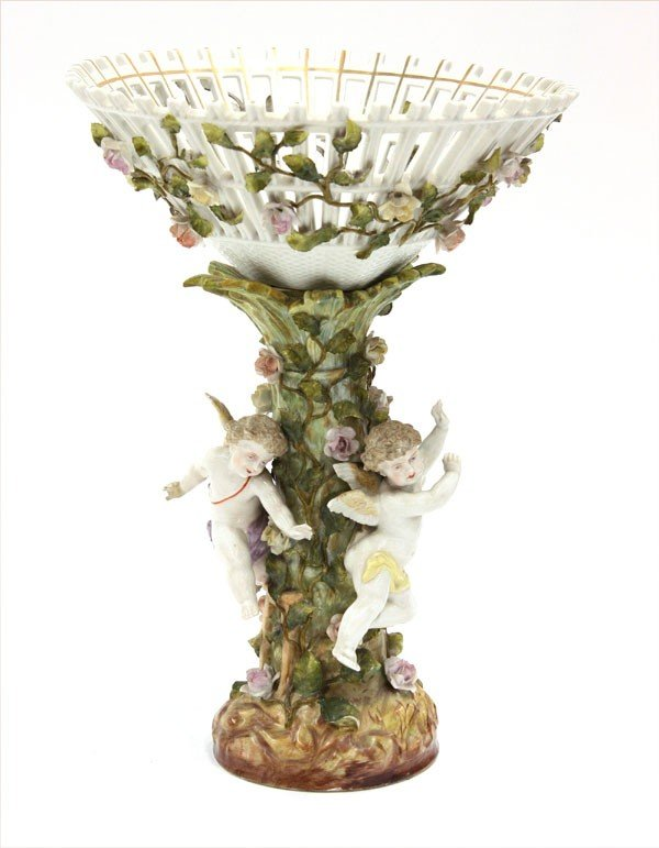 4117: German porcelain footed compote