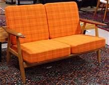 2336: Hans Wegner love seat