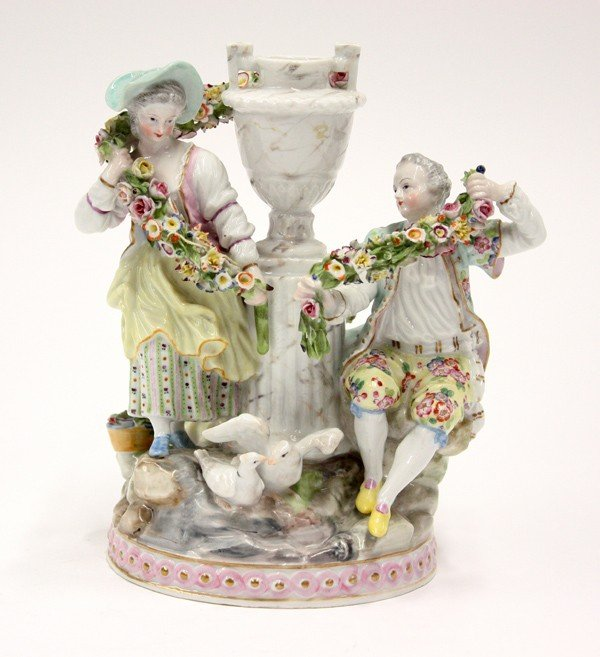 6004: Continental porcelain figural group