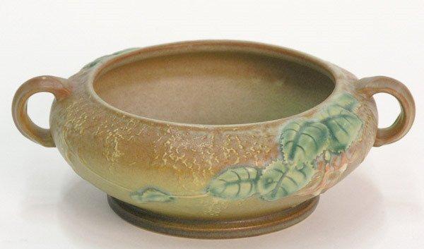 6009: Roseville Fuschia bowl