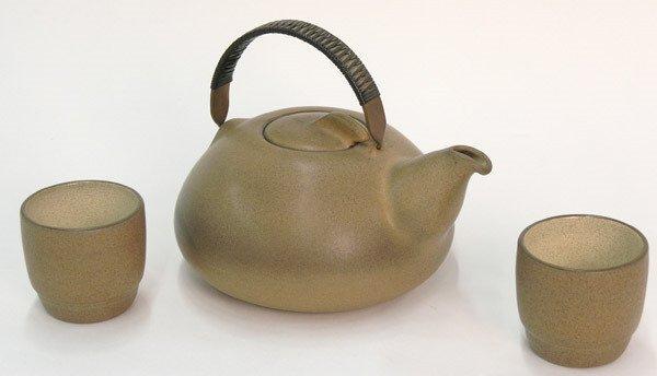 6011: Heath Teapot
