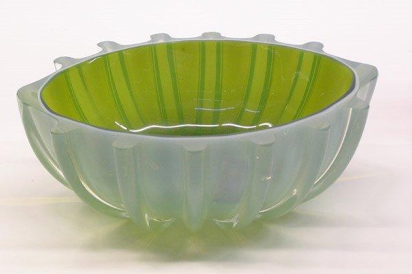 4005: Murano ribbed art glass bowl