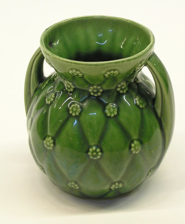 4018: Shawnee pottery vase