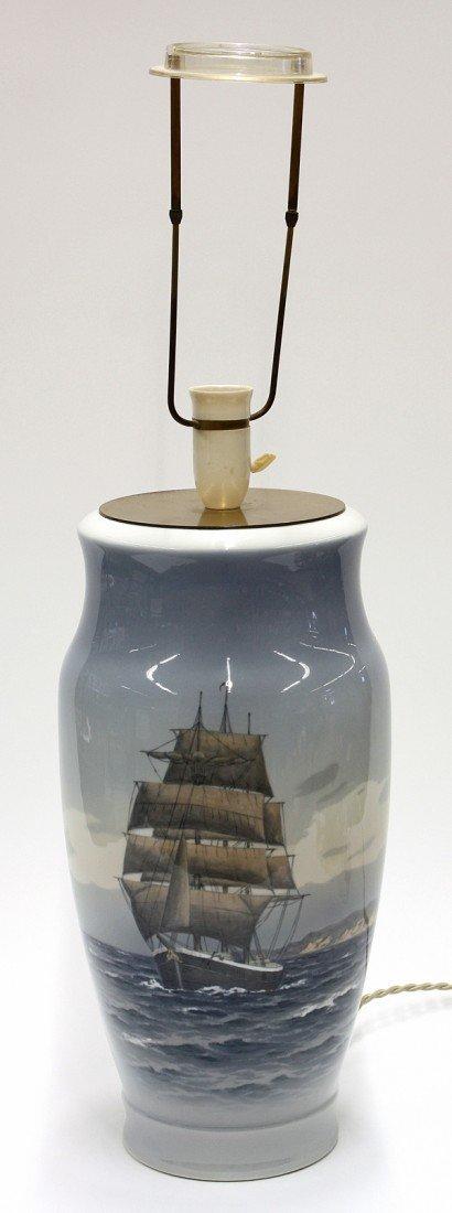 6015: Royal Copenhagen lamp