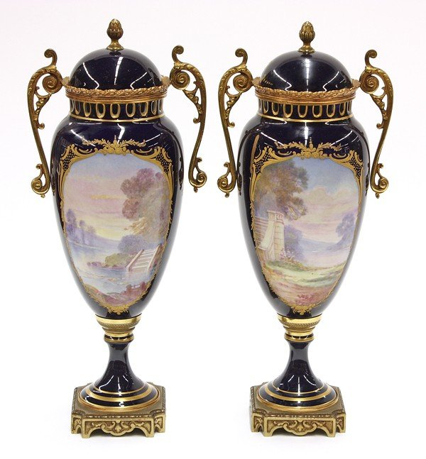 6016: French porcelain covered urns