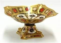 6032: Crown Derby ''Old Imari'' porcelain centerpiece