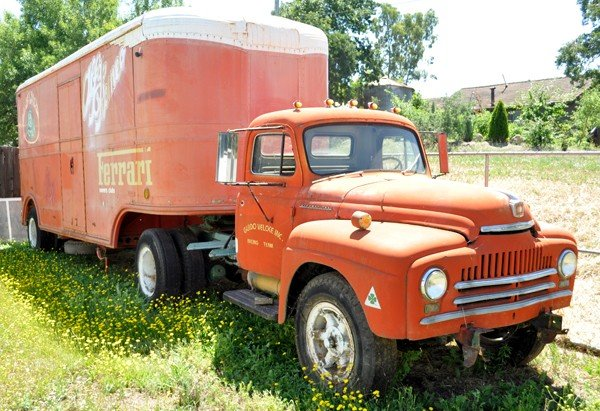 23: 1950 International Truck & Trailer