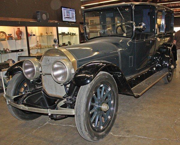 1945: 1924 Locomobile Town Car