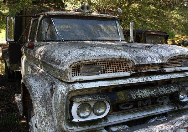 1959: 1961 Chevrolet flatbed