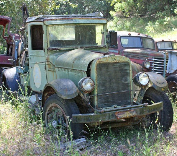 1961: 1924 Reo Towtruck