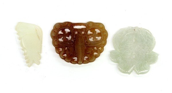 4020: Chinese Jade Pendants/Toggles, Fish/Butterfly