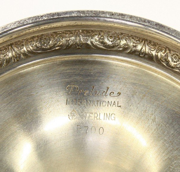 2560: International Silver Co. goblets - 2