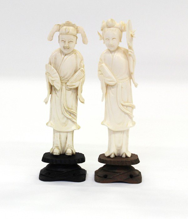19: Two Chinese Ivory Figures