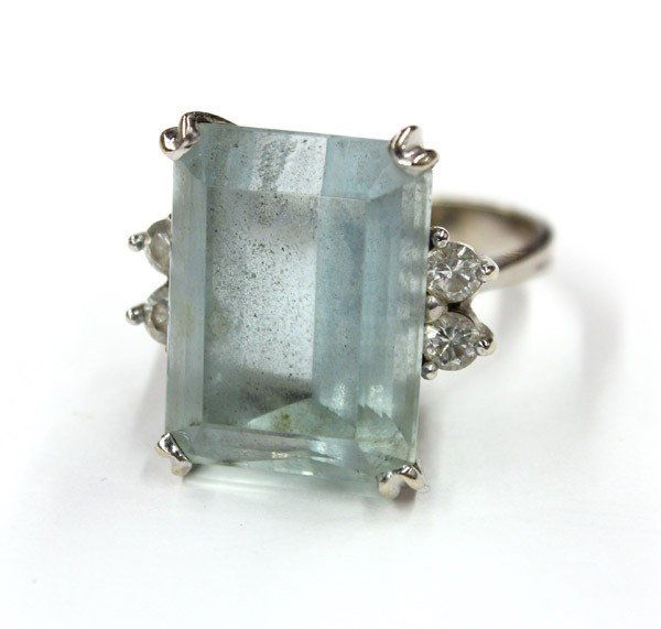 579: Emerald cut aquamarine diamond white gold ring