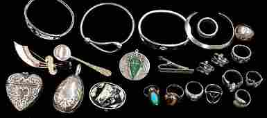 591 Collection of silver jewelry