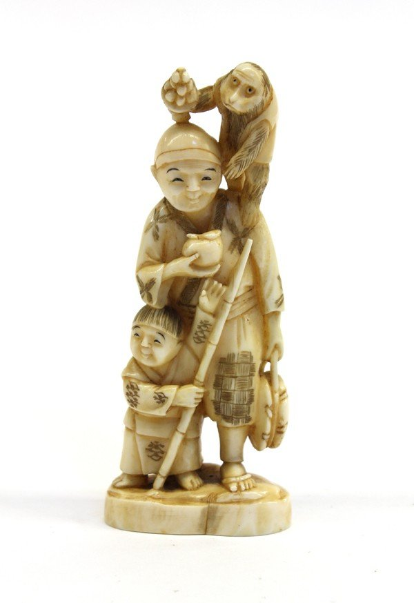 4002: Japanese Ivory Figural Carving