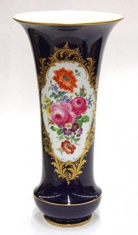 2012: Meissen cobalt decorated vase