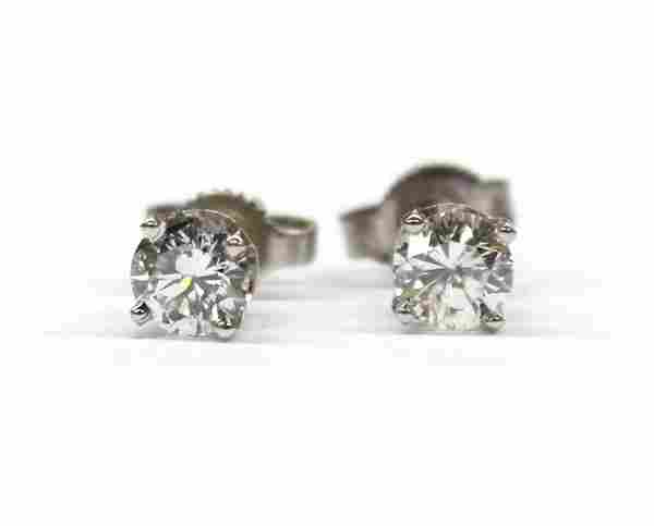 2415: Pair of diamond stud white gold earrings