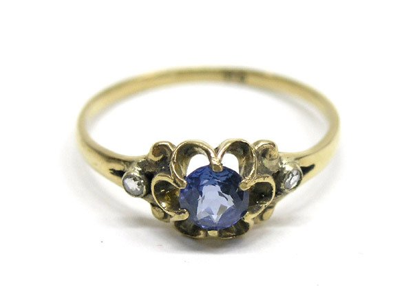 7001: 18K Gold, Diamond and Sapphire Ring