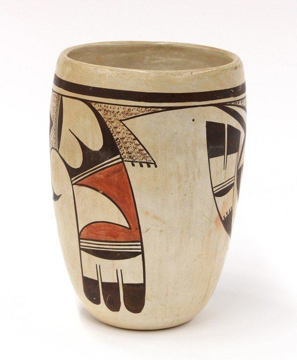2031: Paqua Naha, First Frog woman, Hopi vase - 4