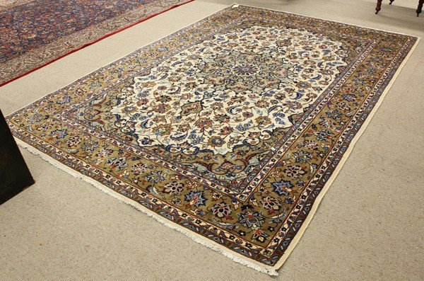 2061: Persian Isfahan carpet
