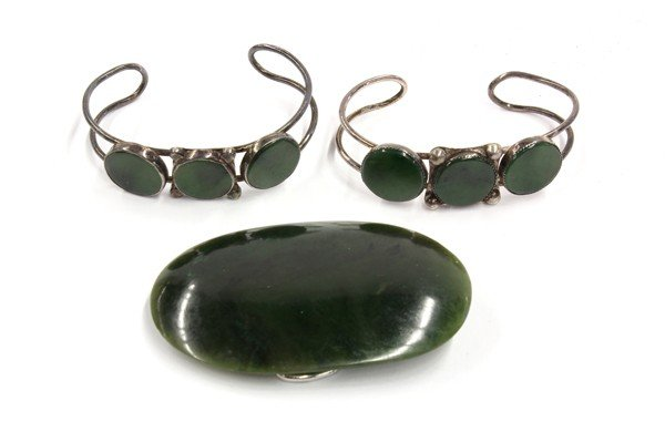 15: Jade Plaque w/Two Silver/Jade Braclets