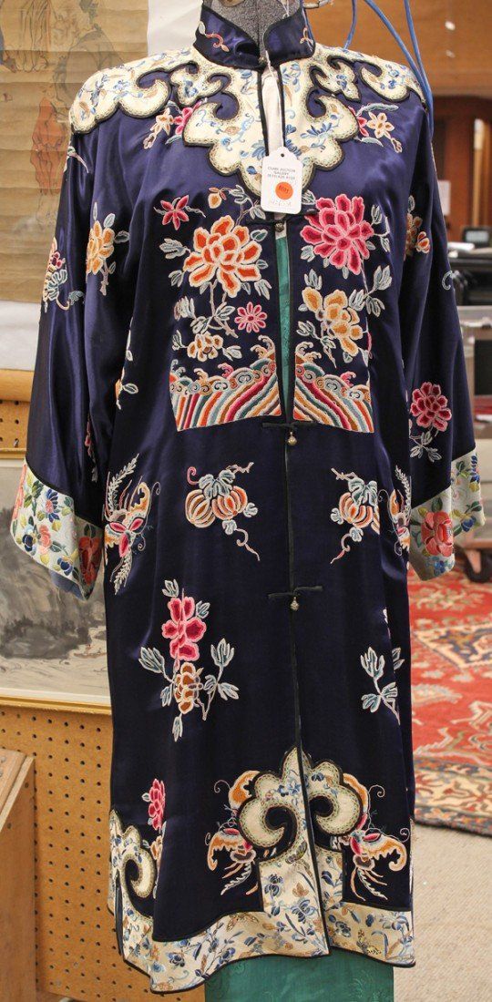 102: Chinese Woman's Silk Surcoat