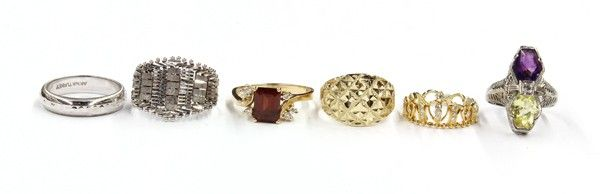 616: Collection of six gold rings