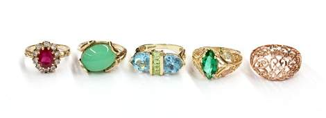 659 Collection of 5 Yellow Gold Rings with Gemstones