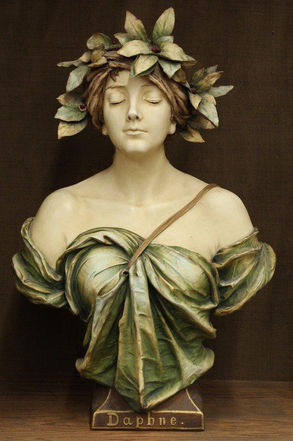 6014: Amphora bust of Daphne