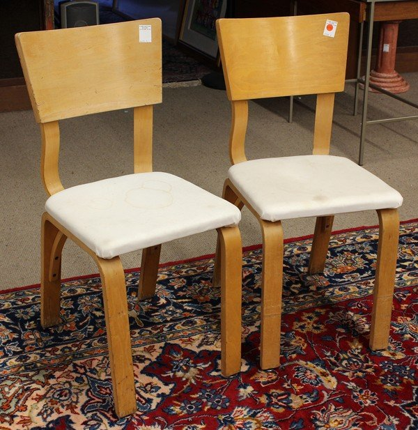 6342: Pair of Thonet side chairs