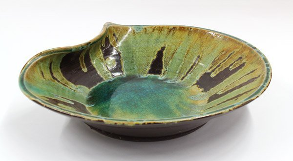 2006: Studio Pottery charger