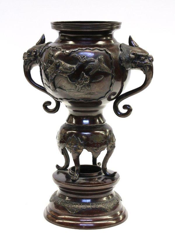 27: Japanese Patinated Bronze Urn, Meiji Period - 3