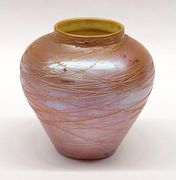 6001: Durand art glass vase