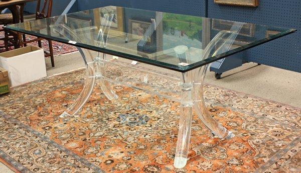 6369: Moderne dining table