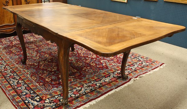 6373: French Provincial style draw leaf table