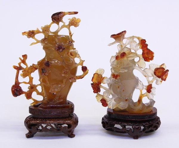 4014: Two Chinese Miniature Agate Urns
