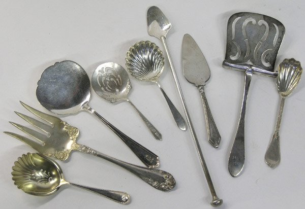 466: America sterling silver serving pieces